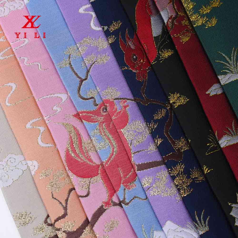 中国风连衣裙 明清服饰面料 松鼠金丝刺绣面料 汉服提花面料定制